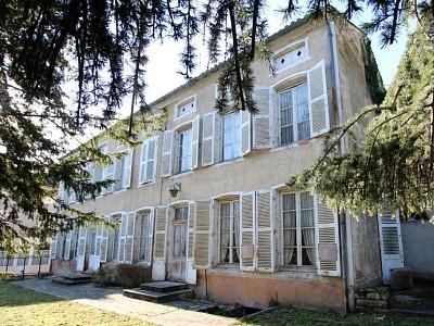 MAISON A VENDRE - TOURNUS - 271 m2 - 160000 €