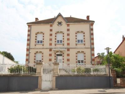 PROPRIETE A VENDRE - TOURNUS - 239 m2 - 375000 €
