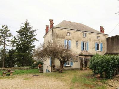 MAISON BOURGEOISE A VENDRE - TOURNUS - 316 m2 - 210000 €