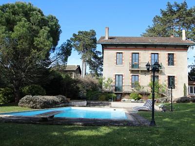 PROPRIETE A VENDRE - TOURNUS - 249 m2 - 500000 €