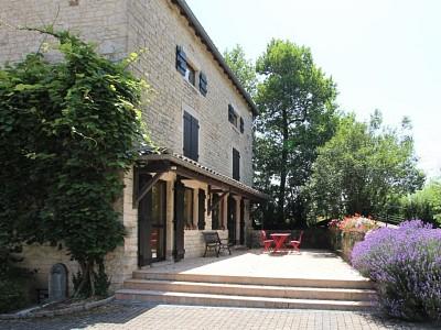 MAISON A VENDRE - TOURNUS - 214,06 m2 - 399000 €