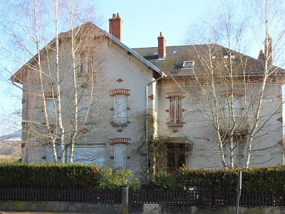 PROPRIETE A VENDRE - AUTUN - 440 m2 - 164000 €