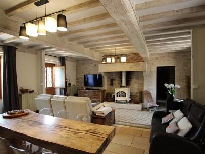 PROPRIETE A VENDRE - TOURNUS - 352 m2 - 598000 €