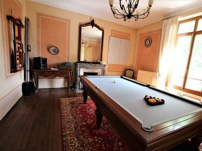 PROPRIETE A VENDRE - PONT DE VAUX - 407 m2 - 495000 €