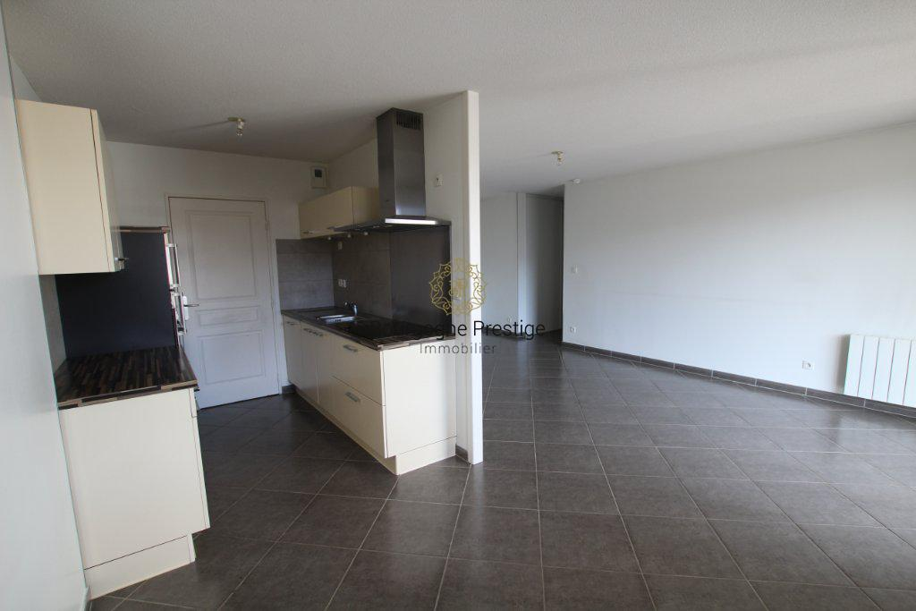 APPARTEMENT T3 A VENDRE - MEYLAN - 75 m2 - 315 000 €